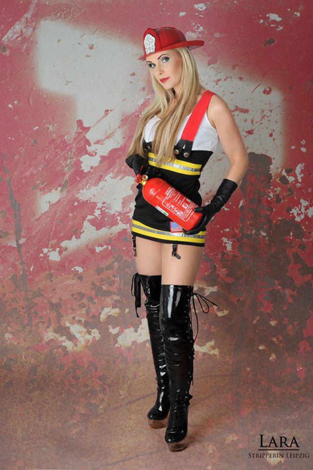 Feuerwehrfrau Lara