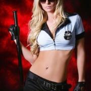 Cop Lara Stripshow