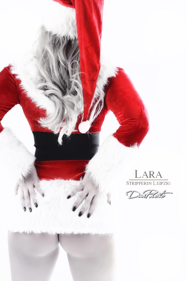 Sexy Santa Lara